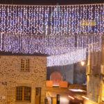 Guirlandes lumineuses : rideaux LED d'extérieur pour rues