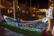 guirlandes lumineuses, fabrications d'illuminations de Noël, fabricant d illumination de noël : décor sur mesure